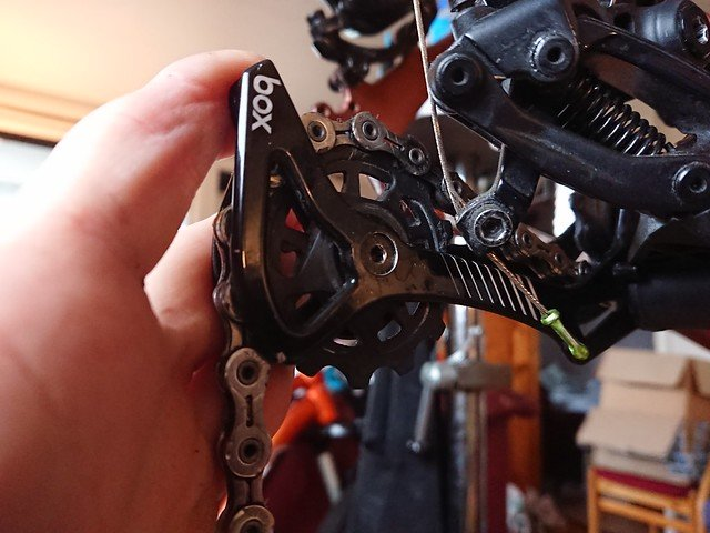 How to clean a chain on a bike