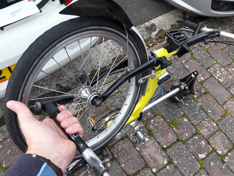 How to Put Air in Bicycle Tires